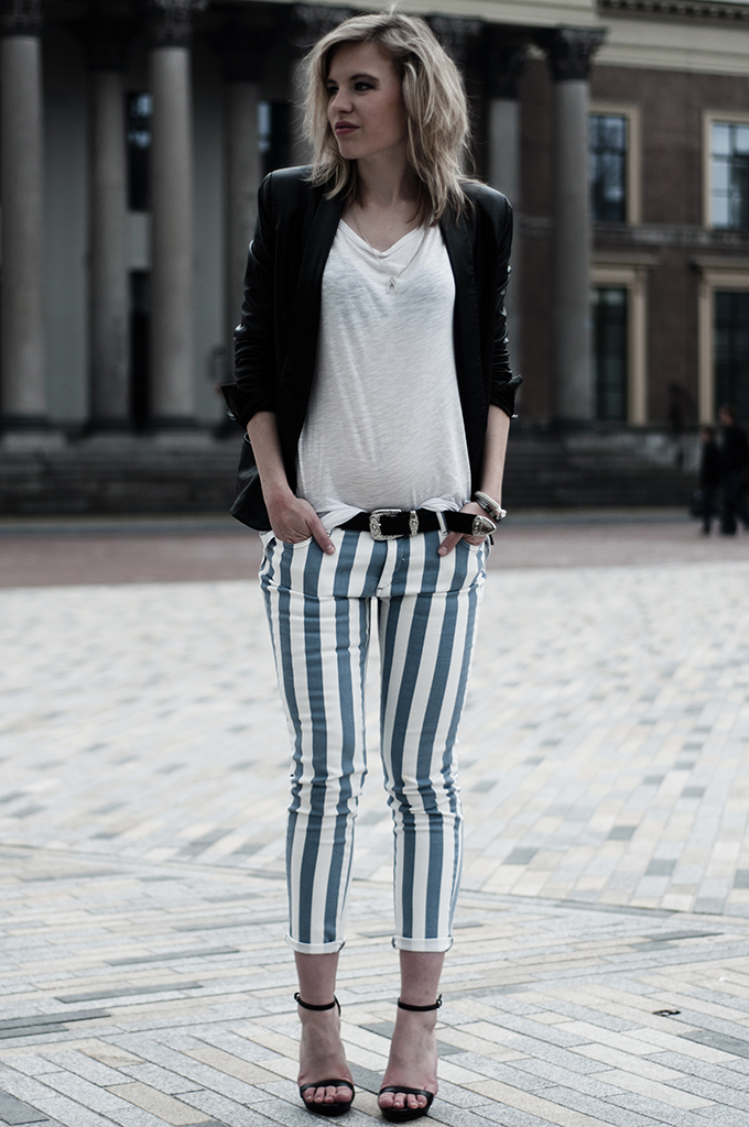 Fashion blogger obelix pants dark edgy leather outfit