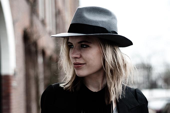 Portrait model girl rockchick boho bohemian fedora hat New Icons