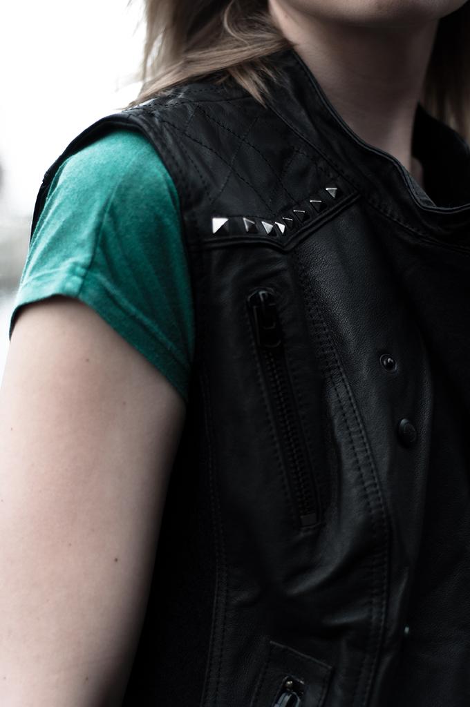 Details leather studs biker gilet the sting rock n roll junkie lola brood