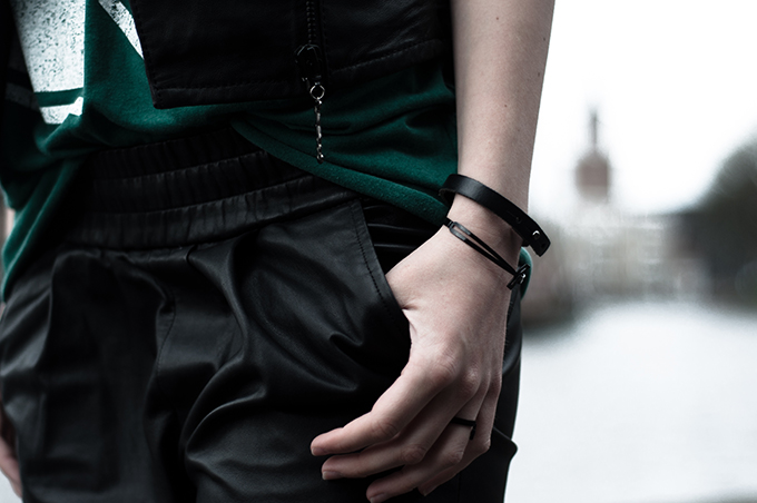 ComeGetFashion jewellery black cross ring bracelet tappered leather pants