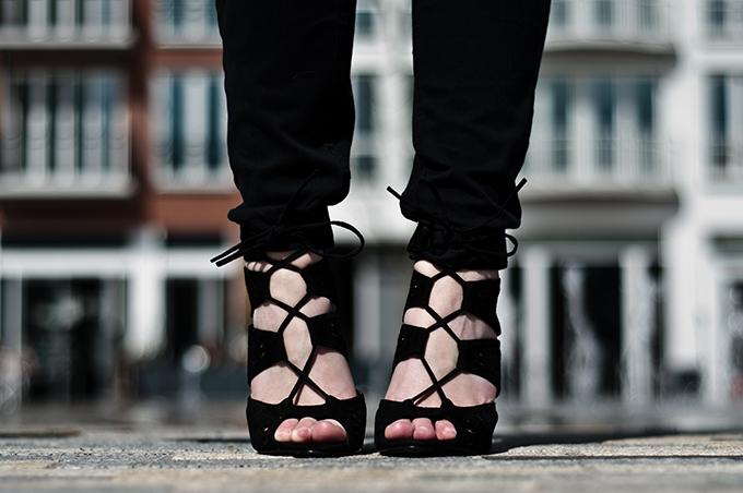 Details fashion blogger wearing Zara Altuzzara lace up black shoes sandals heels skinny jeans