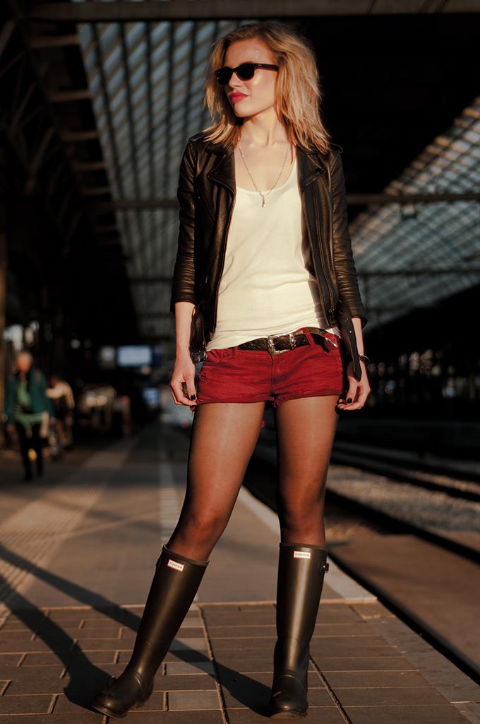 Cowboy western festival bohemian rock chick chic edgy dark look fashion blogger streetstyle