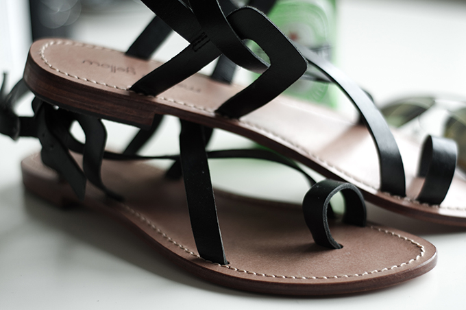 Black minimalistic leather strappy toe sandals summer shoes flats yellow mellow sarenza