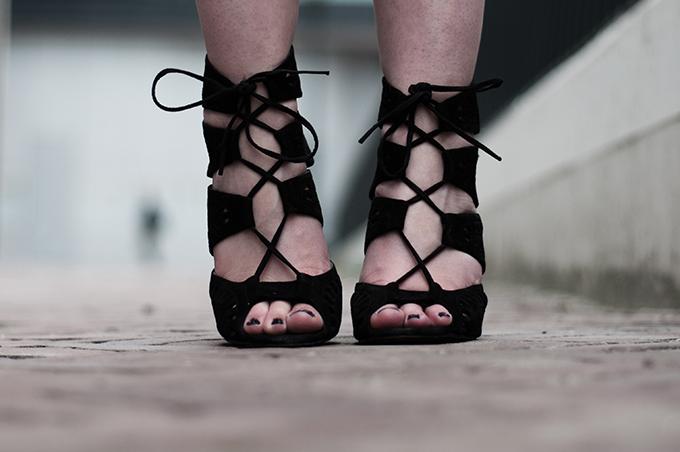 Details Zara lace up suede sandals shoes altuzzara KO knock off schutz shoes blogger wearing