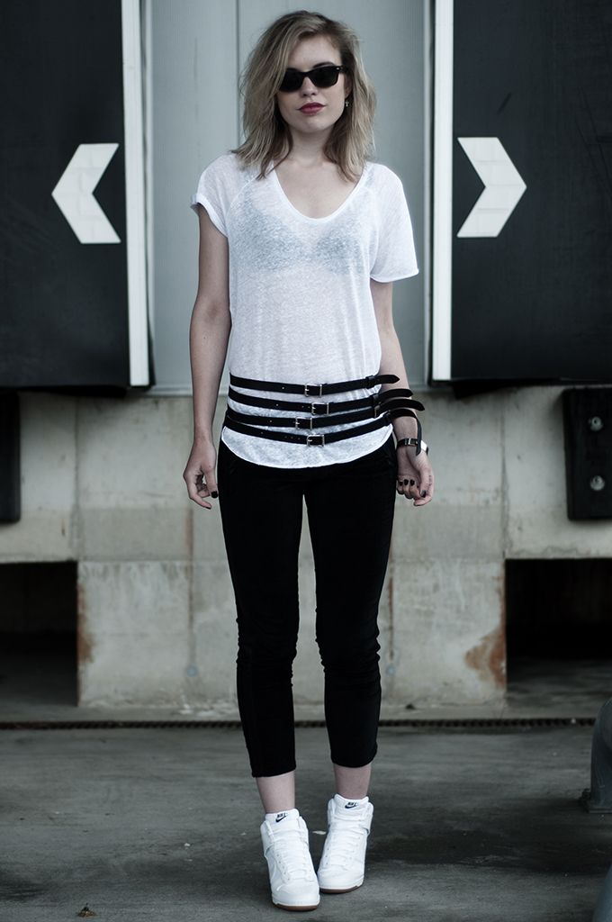 Streetstyle fashion blogger Black and White outfit leather Nike Dunk Sky High Isabel Marant embroidered rock chick