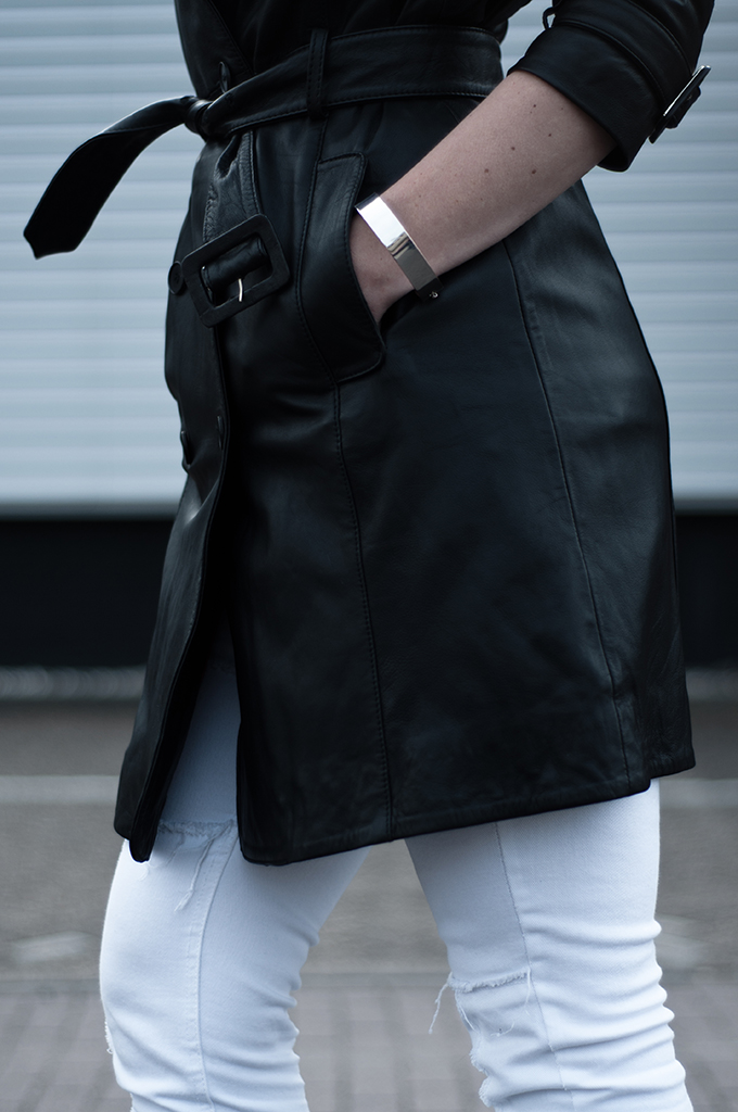 Inspector gadget matrix long leather trench coat mango fashion blogger wearing walking outfit silver cuff