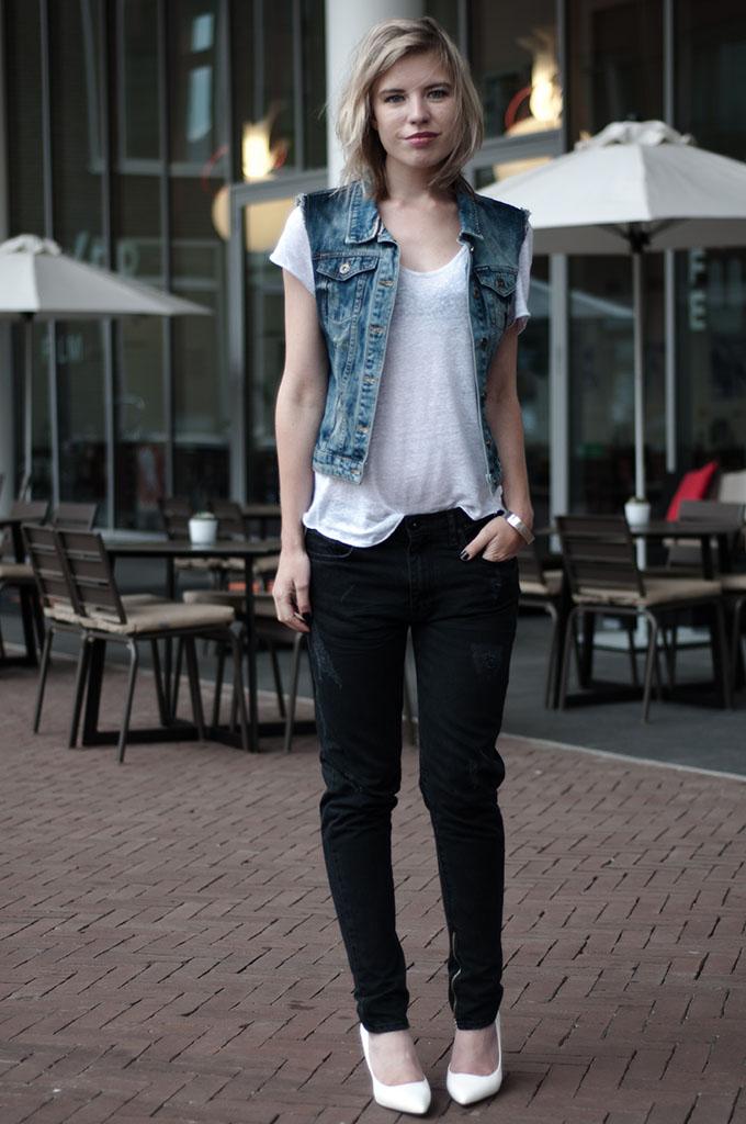 fashion blogger model of duty denim on denim wearing style black oversized baggy jeans boyfriend gilet blue rock chick