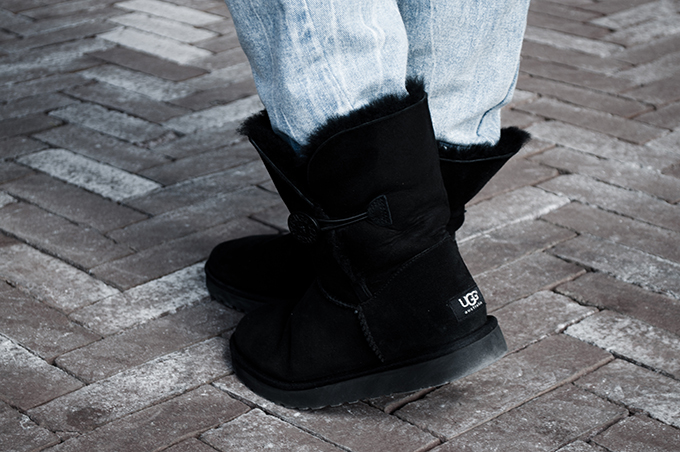 Ugg bailey button black suede leather winter shoes outfit details sarenza