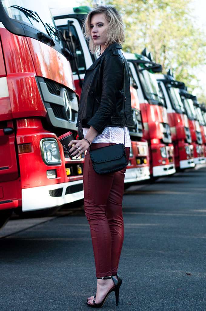 Streetstyle oxblood crimson leather pants trousers skinny wearing black jacket strappy biker rock chick vamp