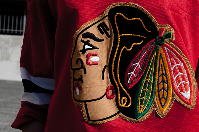 Outfit details chicago blackhawks red old school hockey NHL jersey oversized indian logo