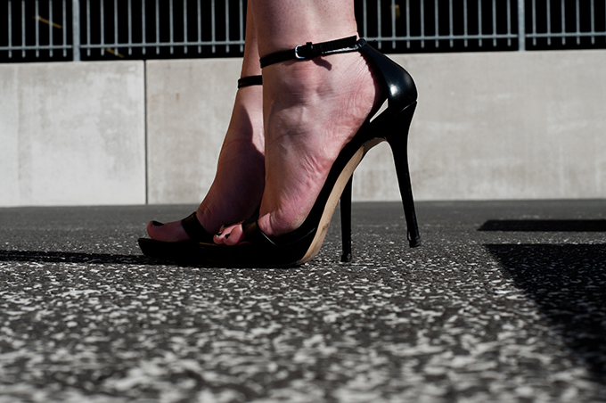 Zara shoes outfit details strappy sandals straps black leather minimalistic 2012