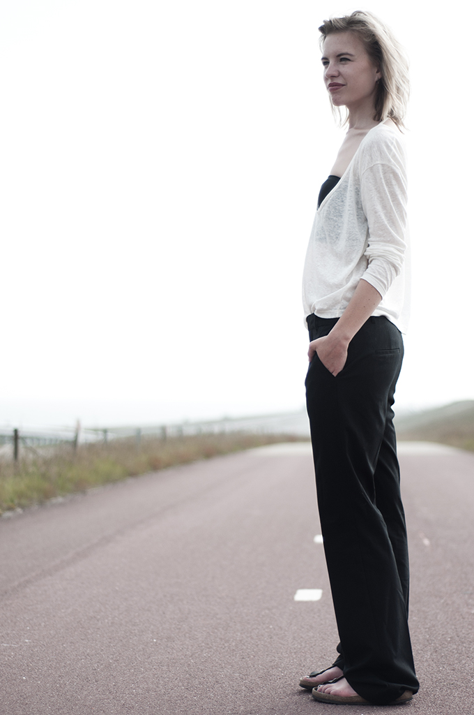 Streetstyle easy slouchy pants Celine KO knock off bandeau barrio santo birkenstocks suit