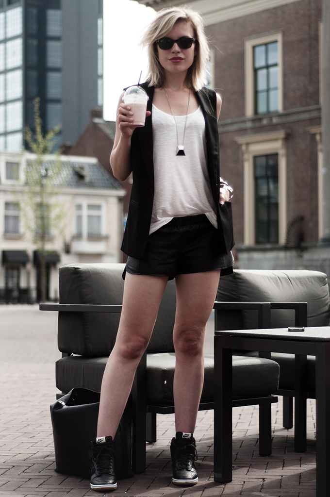 outfit streetstyle model nike dunk sky high hi mesh wedge sneakers bandhu necklace leather shorts