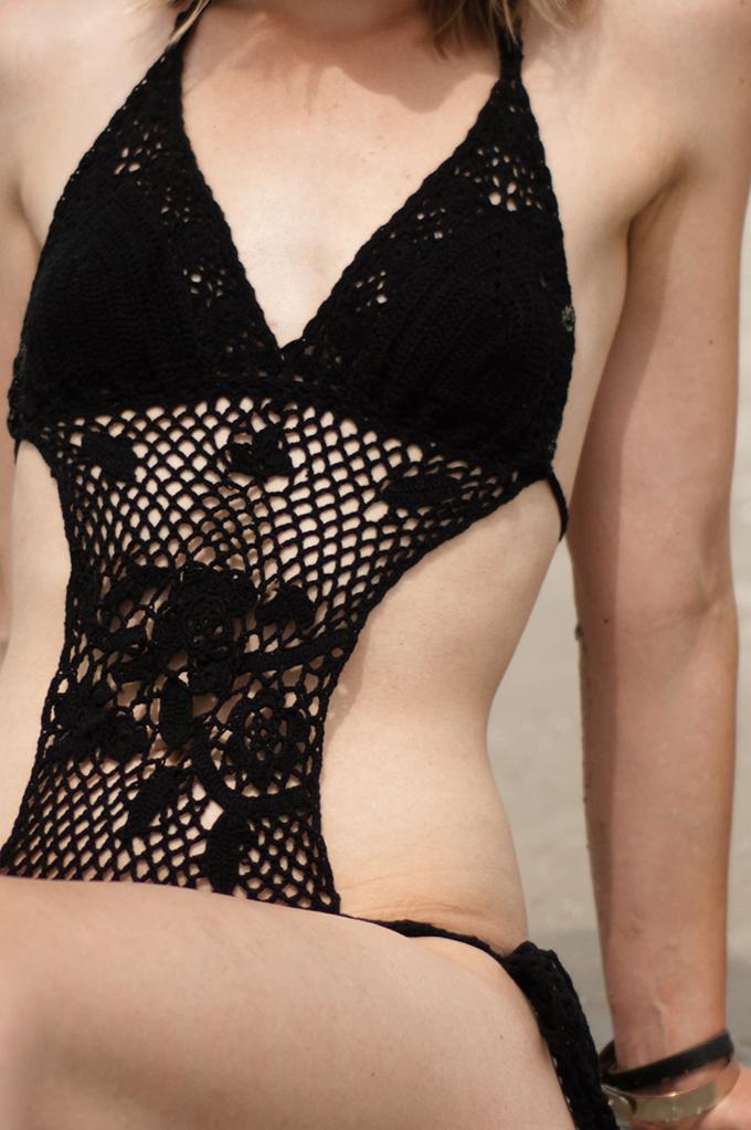 Details crochet bikini monokini tankini fashion blogger black mango lace wearing beach bathing swim suit