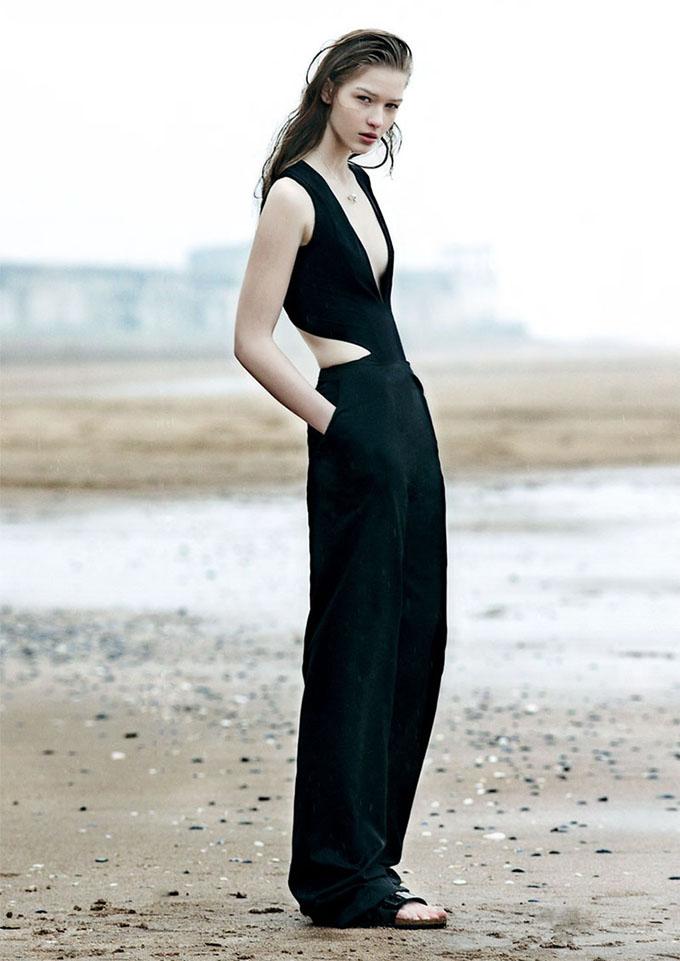 editorial magazine vogue birkenstocks celine slouchy loose pants model wearing inspiration