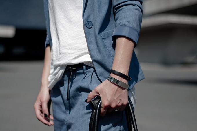 Outfit details summer suit denim acne look-a-like KO knock off H&M maison martin margiela small belt designer fashion blogger