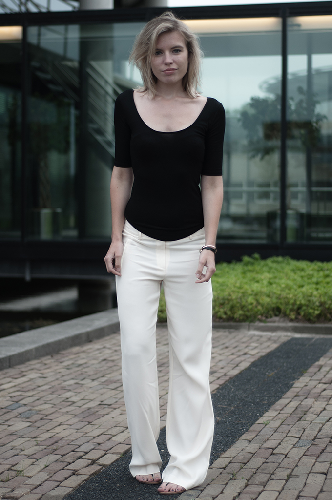 Fashion blogger streetstyle wearing outfit easy classy slouchy pants trousers vanilla cream expresso H&M trend rib top