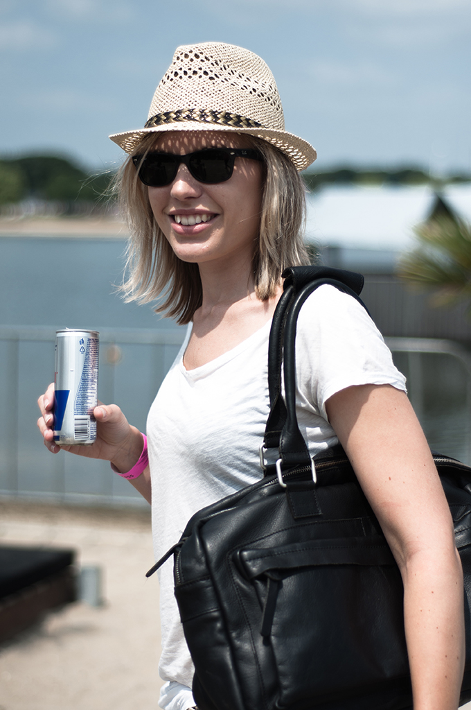 Fashion blogger wearing Sacha Shoes wired hat strohoed XO LIVE Extrema Outdoor festival 2013 streetstyle report