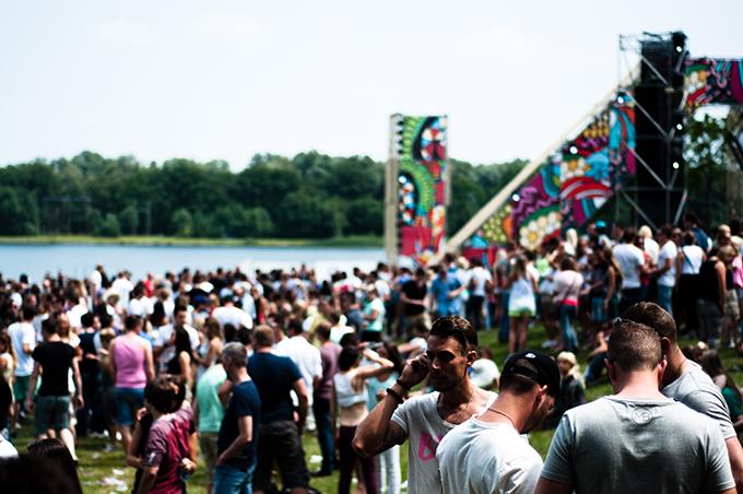 party people impression sfeer impressie press kit photos XO live extrema outdoor 2013 fotos sacha shoes