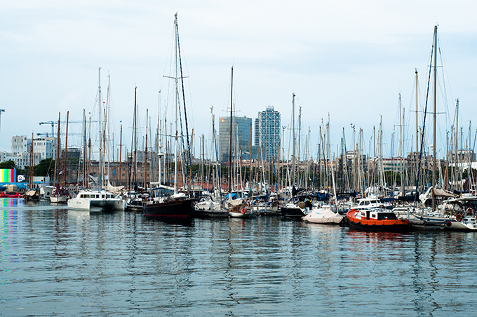 Boats laying in Barcelona Harbour port de Barcelona BCN barca magnum mar view sight 2013 tips tricks visit guide