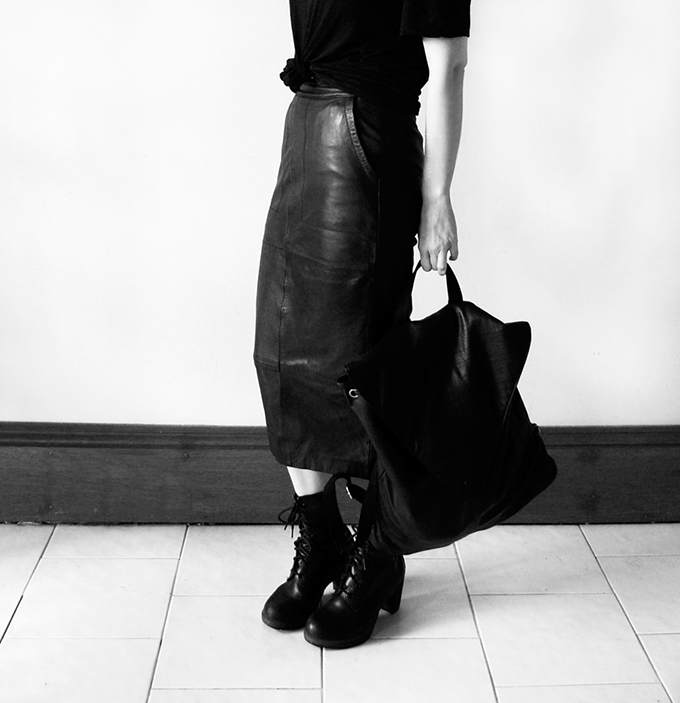 Nadia Bailey Asos leather pencil skirt midi tights details wearing fashion blogger streetstyle rock