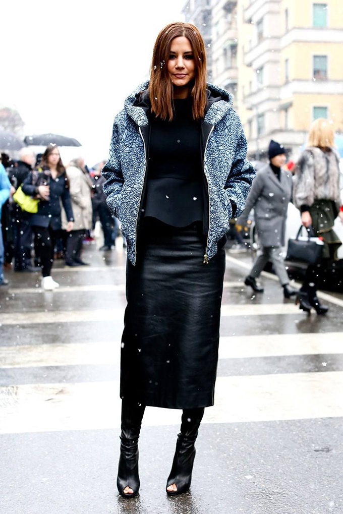 Christine Centenera streetstyle fashion week winter leather skirt pencil midi long maxi black outfit