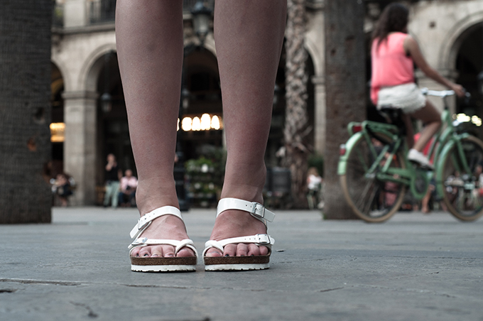 Fashion blogger wearing Birkenstock all white sole Mayari sandals details Spartoo