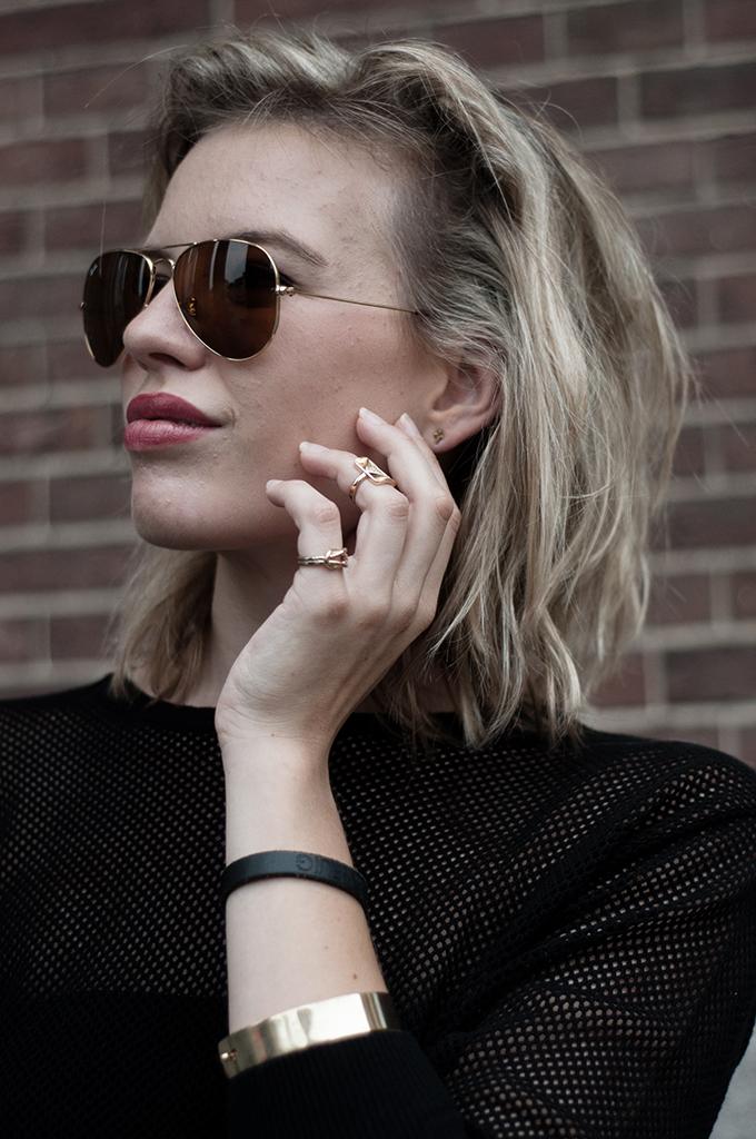 Fashion blogger wearing gold Ray-Ban aviator sunglasses sunglassesshop Debra Morgan Dexter
