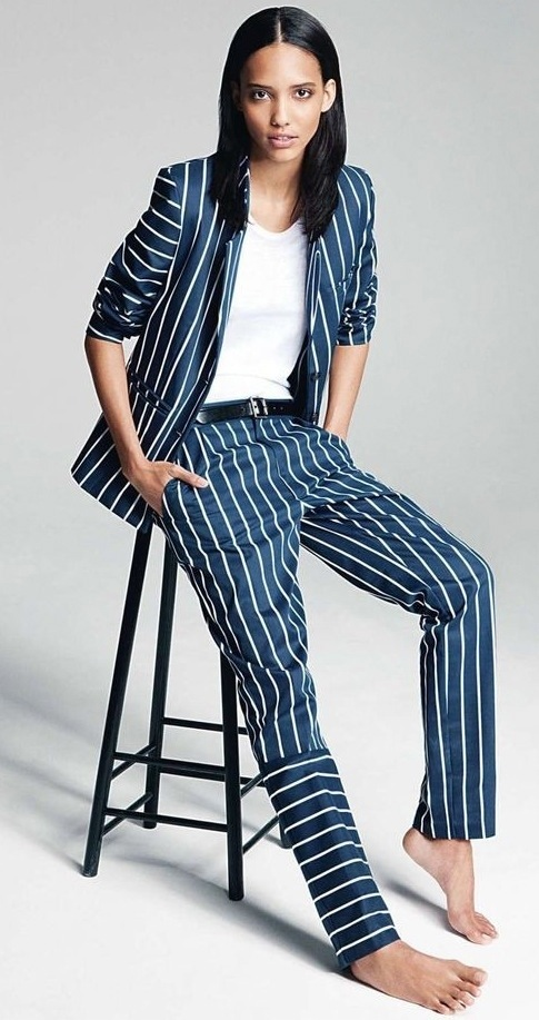 The perfect suit wide pinstripe blue white fashion blogger model streetstyle wearing editorial magazine