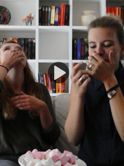 RED REIDING HOOD: Chubby Bunny Challenge with Sister VLOG