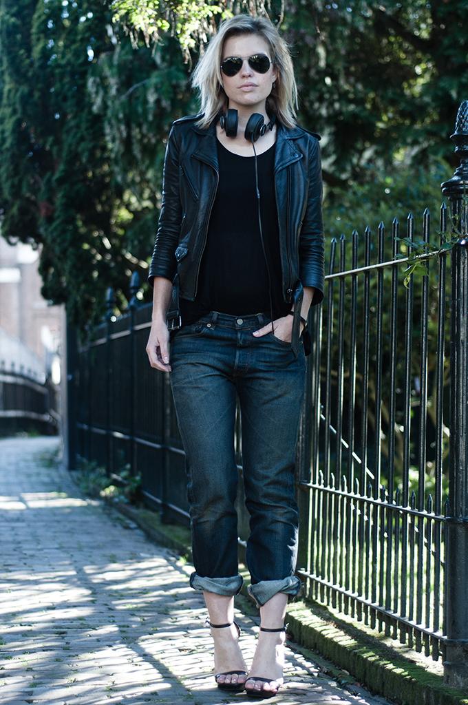 RED REIDING HOOD: Fashion blogger wearing Philips Citiscape denim black headphones streetstyle model off duty