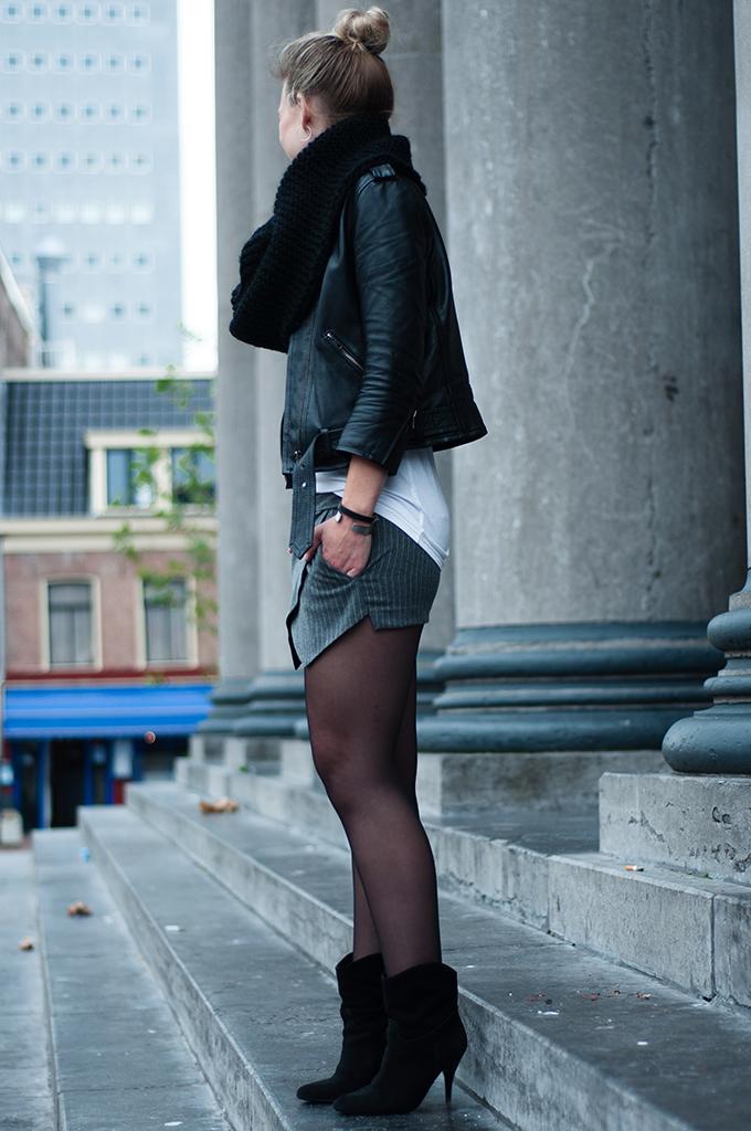 RED REIDING HOOD: Fashion blogger outfit pinstripe skort leather biker jacket DIY huge mega tube scarf Cheap Monday