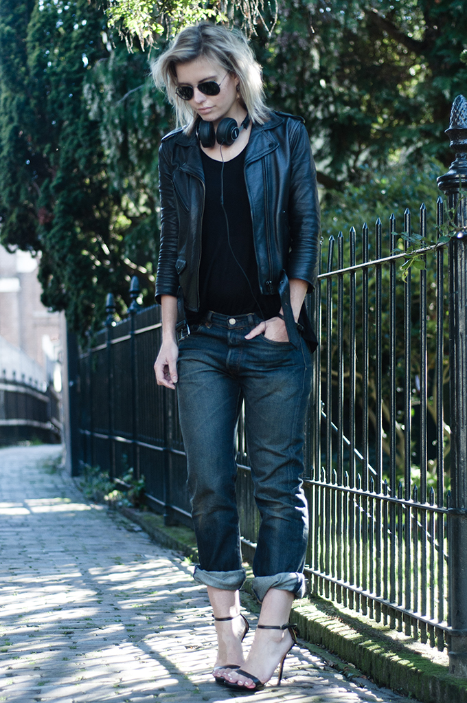RED REIDING HOOD: Fashion blogger wearing Levi's 501 jeans icons reinterpreted men's boyfriend denim