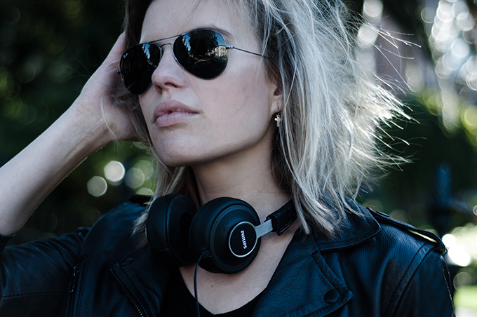 RED REIDING HOOD: Fashion blogger leather philips citiscape headphones denim black ray-ban aviator gunmetal