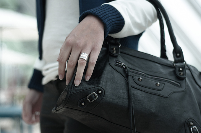 Modemusthaves Balenciaga Motorcycle bag knock off KO look-a-like fashion blogger wearing streetstyle