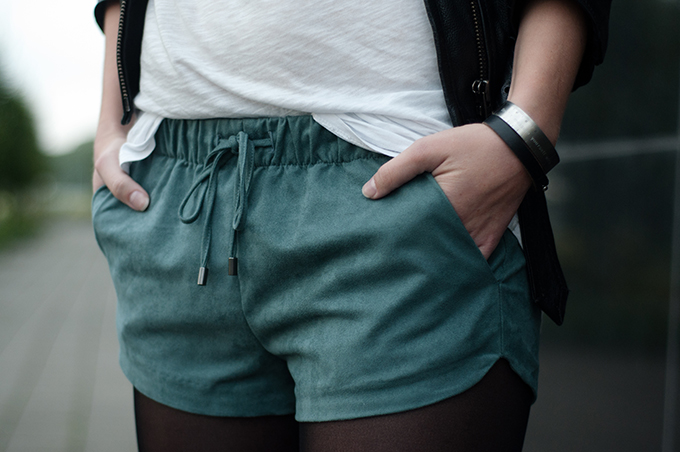 Red Reiding Hood: Fashion blogger streetstyle outfit details pop of teal drawstring shorts faux suede zara trf