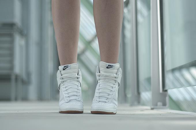 All white mesh Nike Dunk Sky Hi sneakerwedges fashion blogger wearing sarenza
