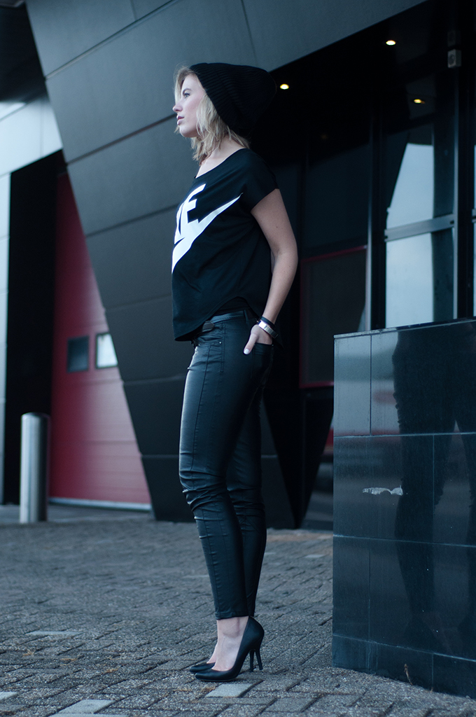 RED REIDING HOOD: Fashion blogger outfit wearing Nike big logo tee leather pants sportsluxe streetstyle