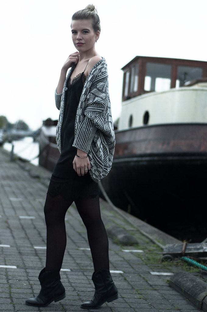 RED REIDING HOOD: Fashion blogger streetstyle model off duty lingerie dress louis vuitton KO Zara