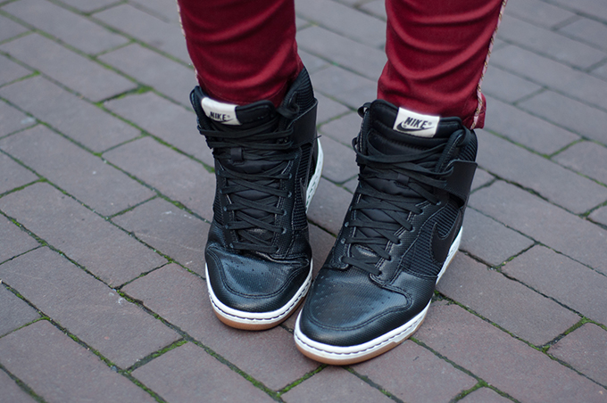 RED REIDING HOOD: Fashion blogger wearing black Nike Dunk Sky Hi wedgesneakers outfit details