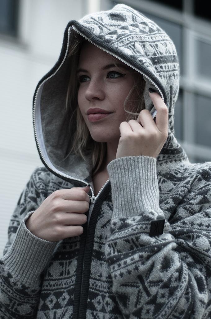 RED REIDING HOOD: Fashion blogger wearing OnePiece Onesie jumpsuit hoodie halling heavy knit details