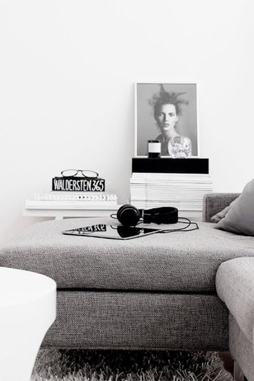 RED REIDING HOOD: Home inspiration scandinavian industrial black and white minimalistic headphones livingroom
