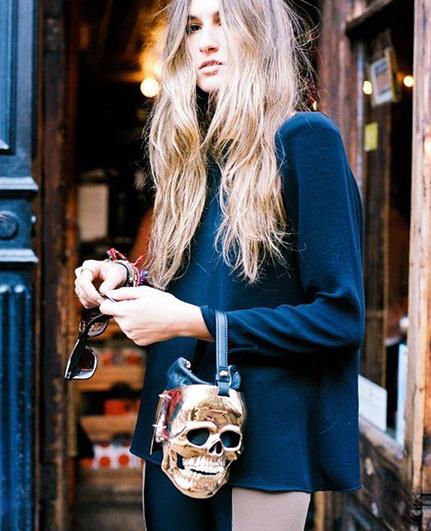 RED REIDING HOOD: Streetstyle inspiration gold skull clutch pinterest