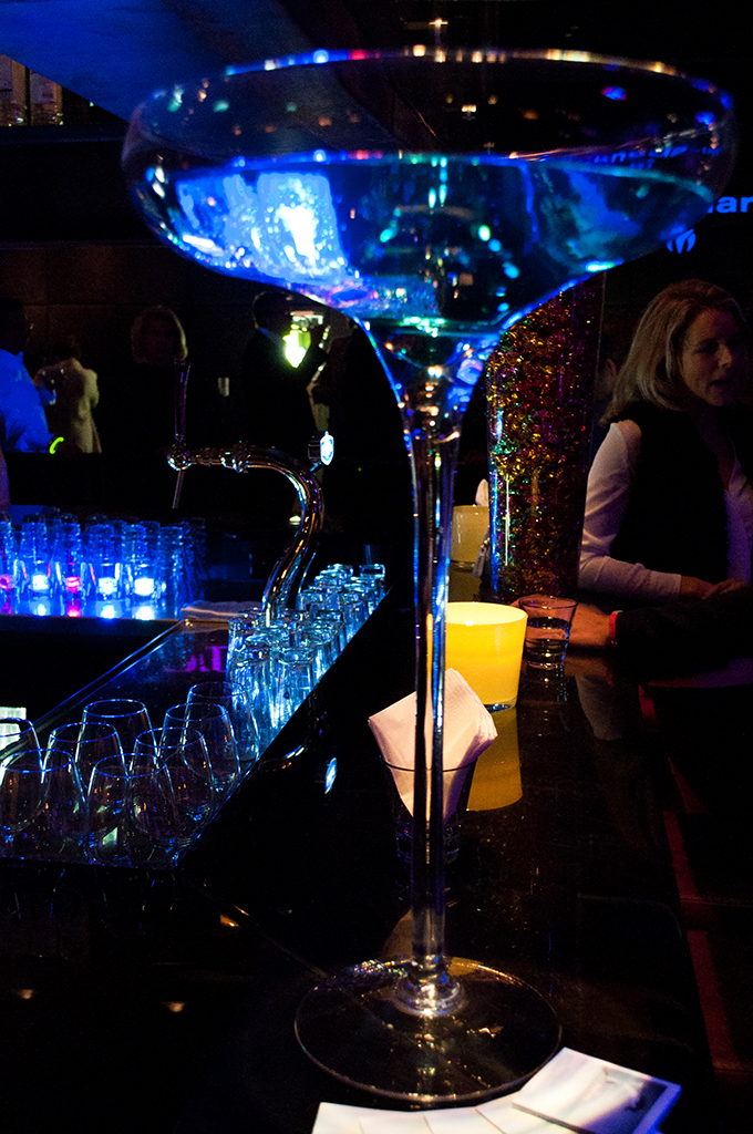 RED REIDING HOOD: Amsterdam harbour club TechnoMarine event party disco lumious ice cubes cocktails