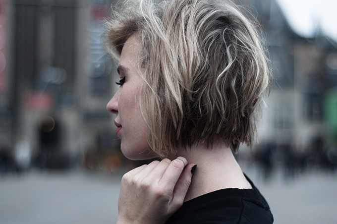 RED REIDING HOOD: Fashion blogger model messy hair don't care short chop blond bob
