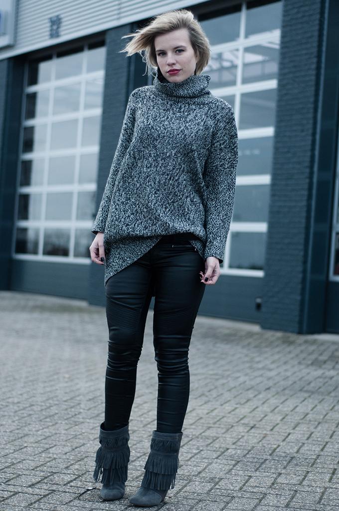 RED REIDING HOOD: Streetstyle model off duty Elin Kling fashion blogger turtleneck leather pants Isabel Marant fringe boots