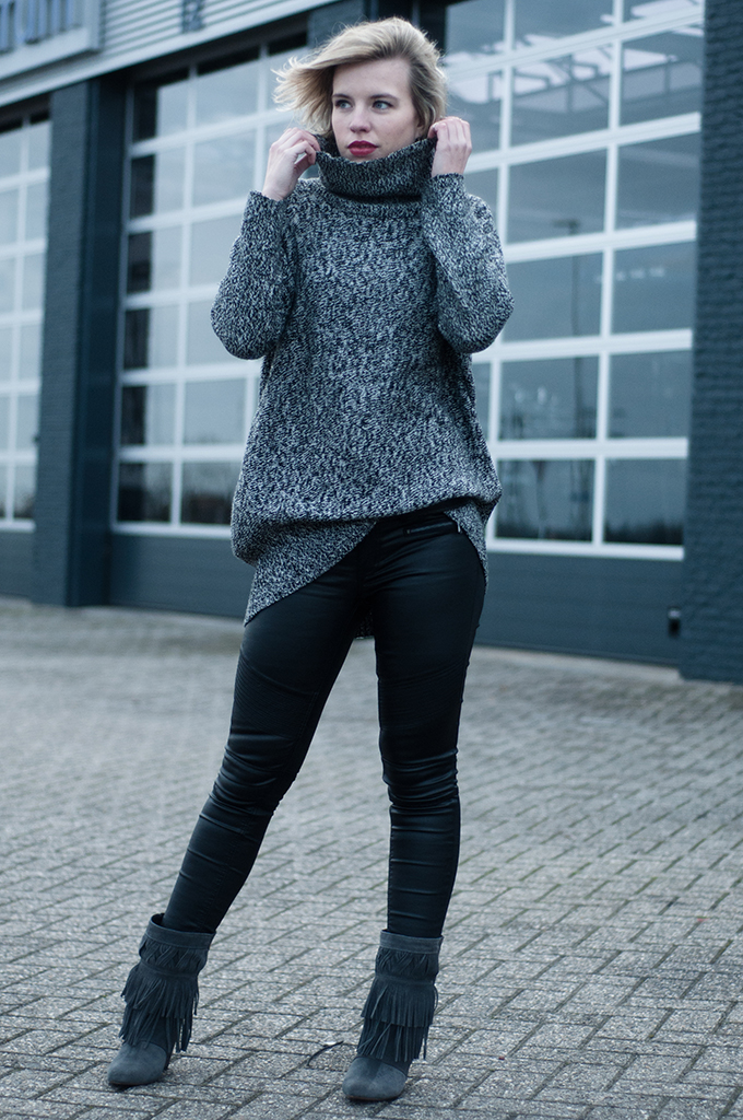 RED REIDING HOOD: Fashion blogger wearing knitted turtleneck layers layering biker leather pants
