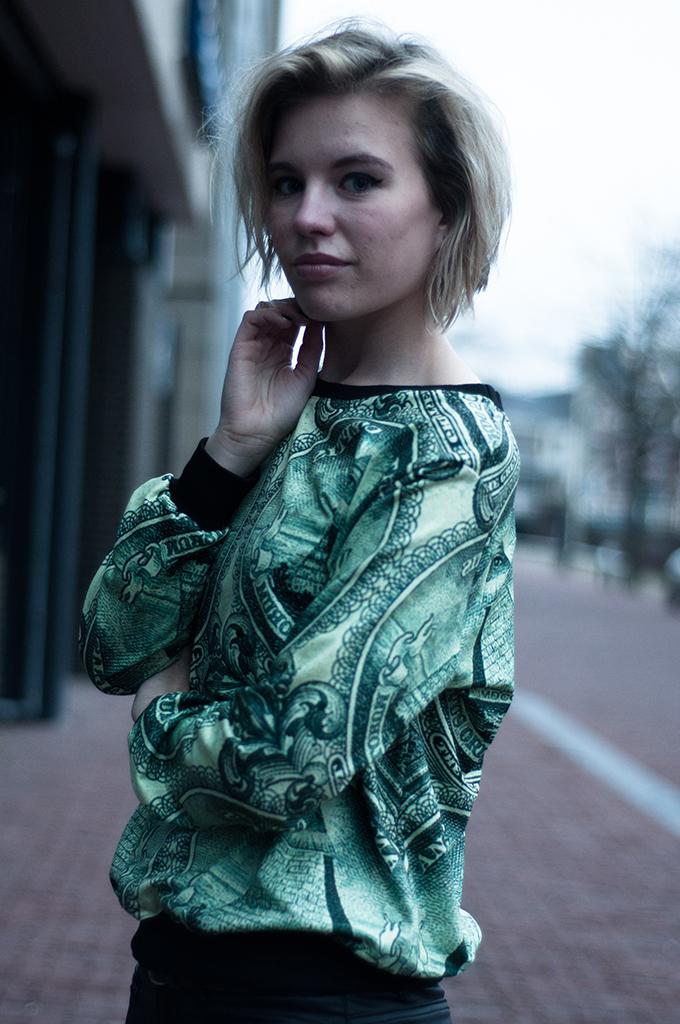 RED REIDING HOOD: Model off duty fashion blogger Acne dollar currency sweater Choies short bob haircut hairdo blond