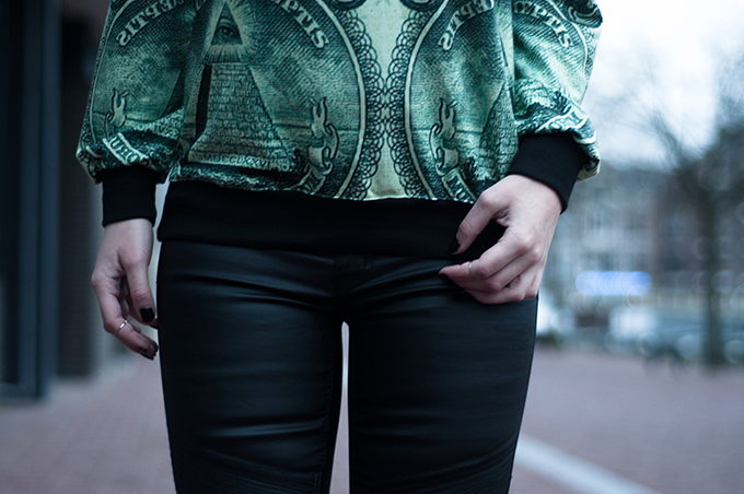 RED REIDING HOOD: Fashion week blogger outfit details Acne currency dollar print sweater green Choies faux leather pants above knuckle rings