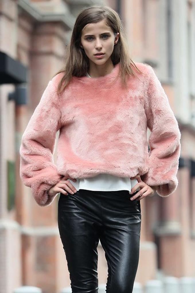 RED REIDING HOOD: Fashion blogger style streetstyle inspiration oversized pink fluffy sweater angora leather pants pinterest